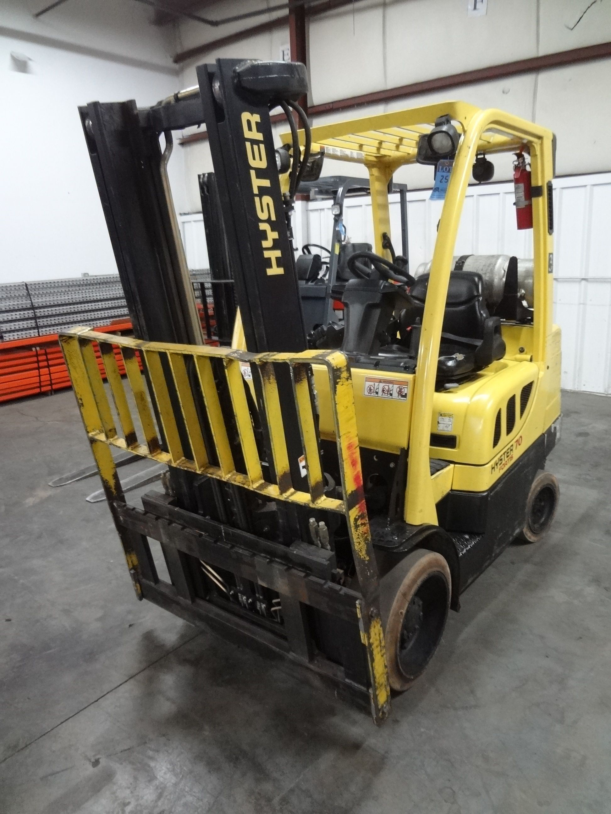 7,000 LB Hyster LP Gas Lift Truck